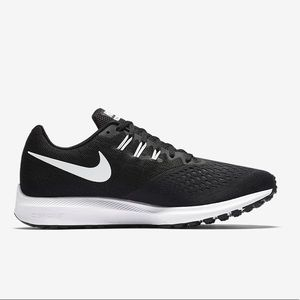 Nike Zoom Winflow 4 black running shoes swoosh